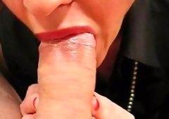 Hawt Lipstick Blowjob